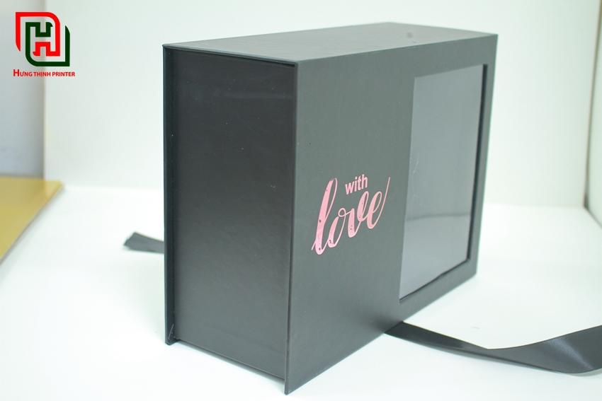 Hợp đựng quà màu đen With Love