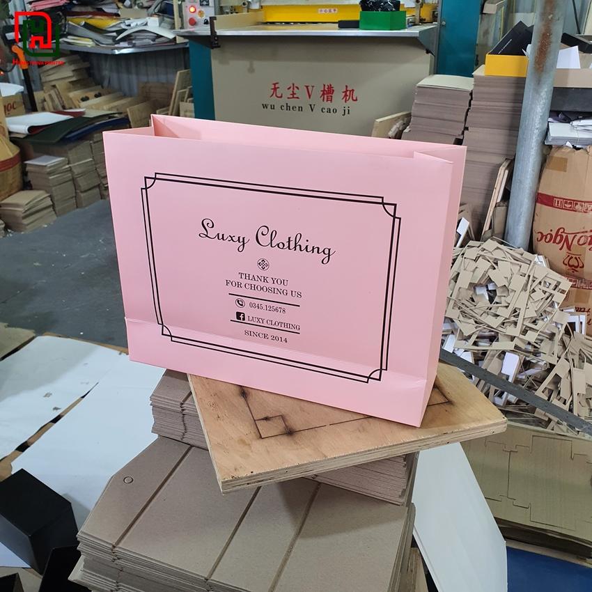 Túi giấy màu hồng Luxy Clothing